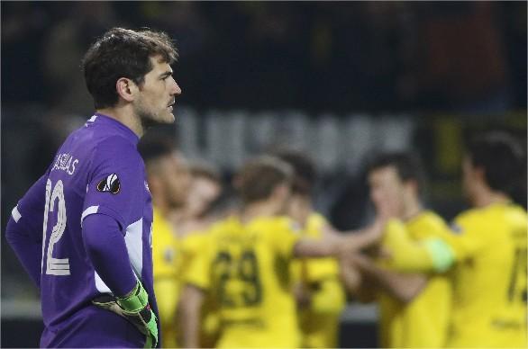 Casillas se convirtió en uno de los futbolistas con más partidos internacionales en clubes.