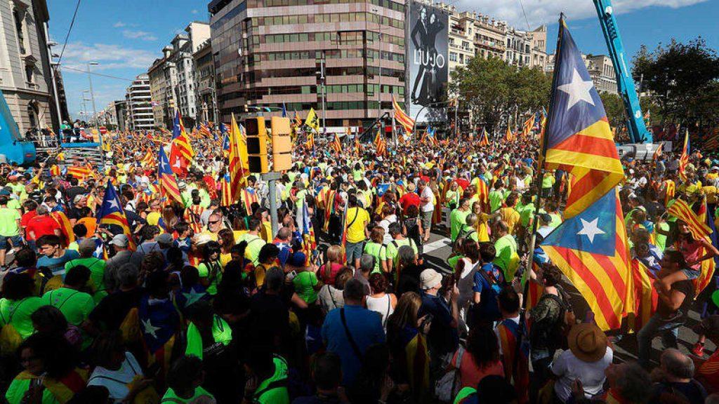 La Asamblea Nacional Catalana ANC indicó que más de 600.000 personas participaron en la actividad