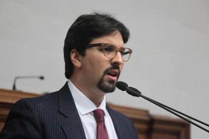 Freddy Guevara fue excarcelado tras un mes incomunicado en El Helicoide