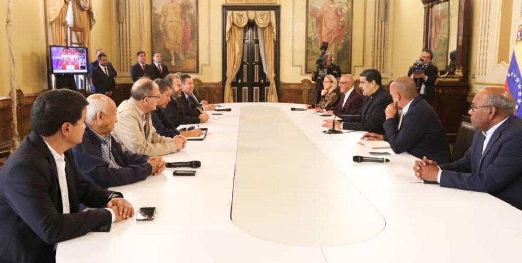 Mesa de Diálogo Nacional se reúne con Presidente Maduro