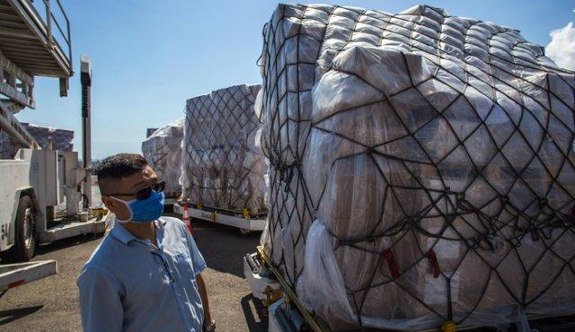 Venezuela recibe cargamento con pruebas para COVID-19 procedente de China