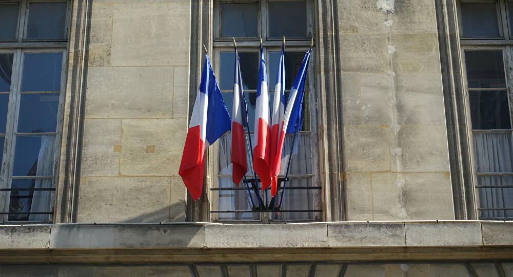 Francia aclara que Guaidó no se encuentra en su embajada en Caracas