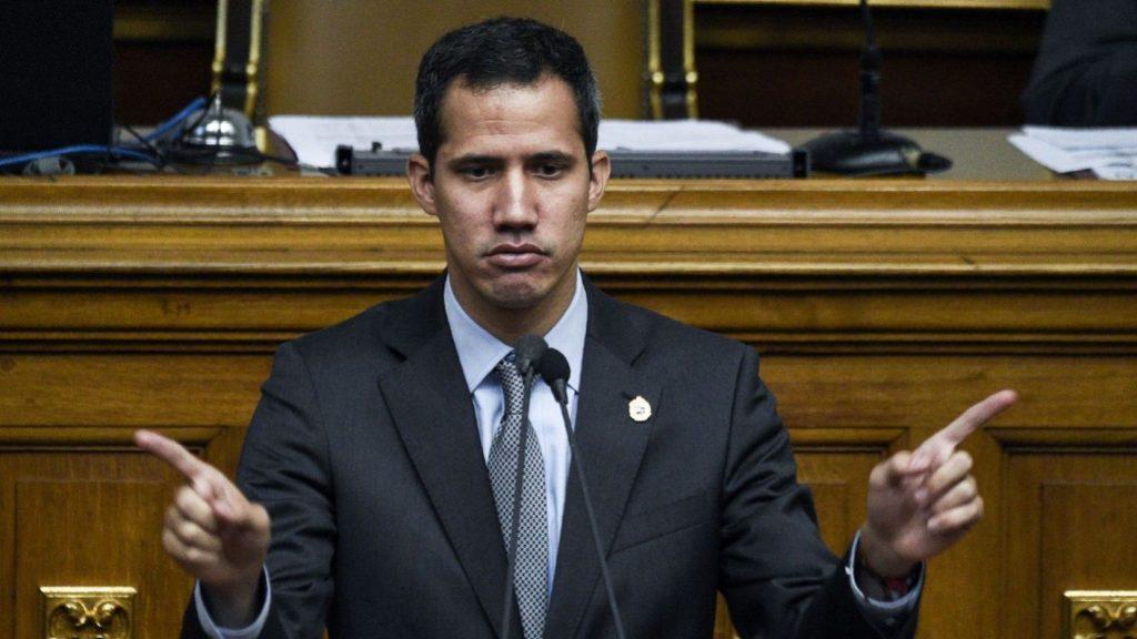 """Guaidó apeló a los sectores de la sociedad para manifestarse en contra de lo que consideró una """"burla"""" del gobierno para con la población."""