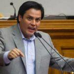 Paparoni le reprochó al gob. de Maduro por comprar autos de lujo y no insumos médicos