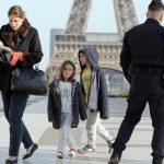 Francia aplicará nuevas medidas ante avance del COVID-19