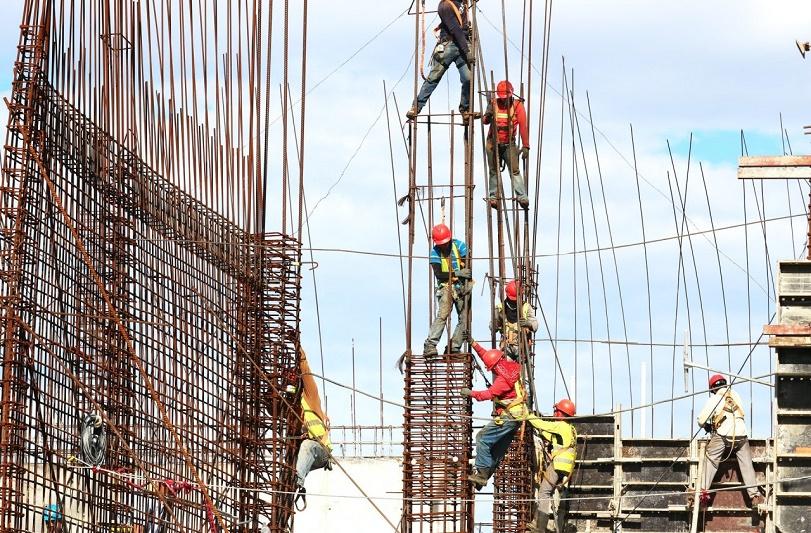 Alejandro Ceballos Jiménez - ¡Conócelas! 3 tendencias industriales para construcción (Alfamaq) - FOTO