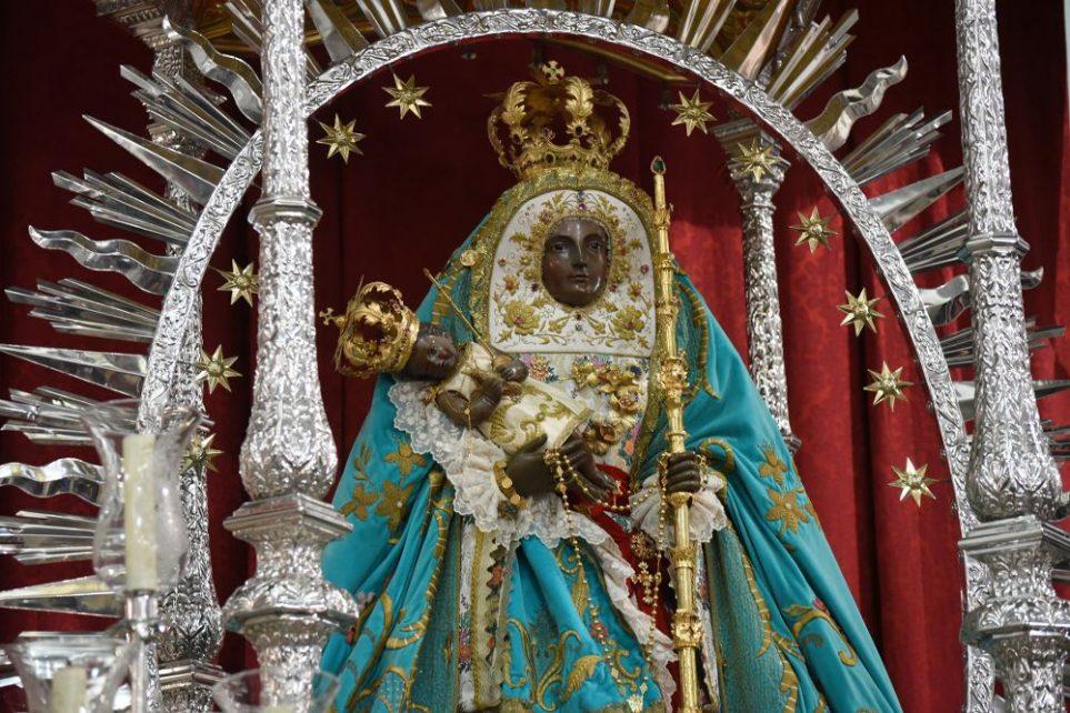 Rinden honores a la virgen de La Candelaria
