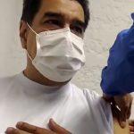 Nicolás Maduro y Cilia Flores se vacunan contra el coronavirus