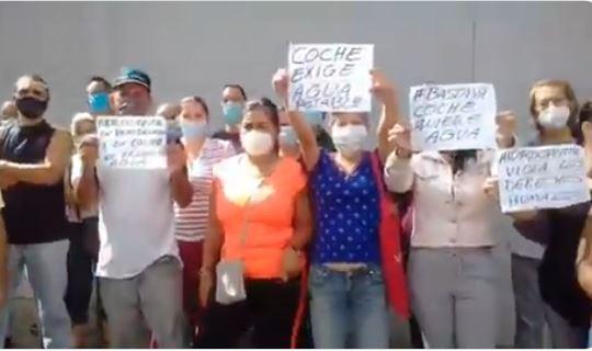 Vecinos de Coche denuncian la falta de agua
