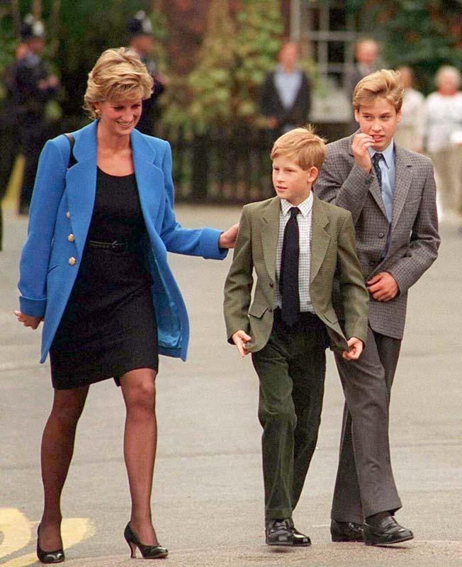 Princesa Diana con sus hijos