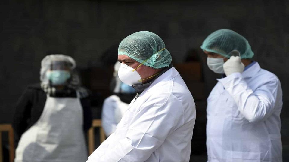 Desde el inicio de la pandemia han muerto 683 trabajadores de la salud