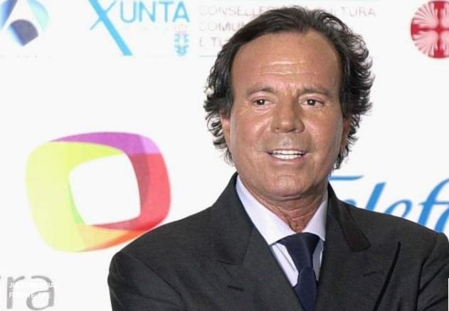 ¡Julio Iglesias uno de los artistas más importantes de la música de habla hispana!